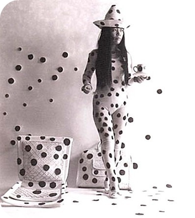Yayoi Kusama self-obliteration by dots