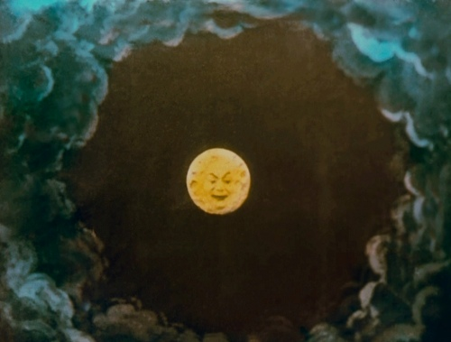 Le voyage moon just now a face
