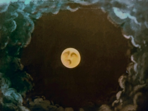 Le voyage moon not yet a face
